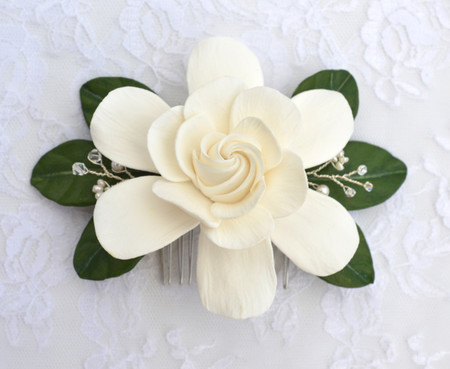 Rosalinda Hair Comb in White Gardenia and Green Leaves