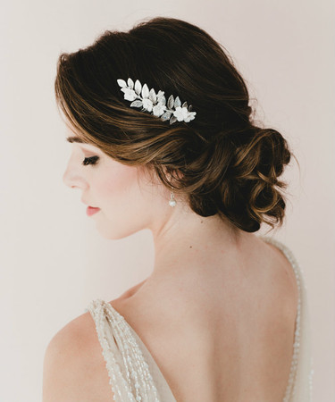 Tessa Bridal Hair Comb in White Cherry Blossom/Sakura and Metal Leaf Branch