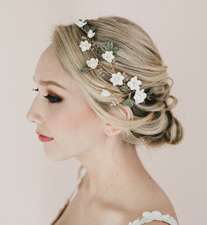 Novia Bridal hair Vine in White Magnolia and Green Leaves