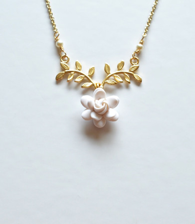 ATHENA Branch Drop Necklace in White Gardenia
