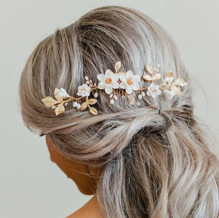 NADHIRA Hair Vine  in White Magnolia