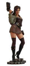 Diamond Select Toys Femme Fatales: Steam Punk Lexi PVC Statue, 9 inch (22.9 cm)