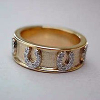 14k Yellow or White Gold Wedding Band Style Ring with Horseshoes