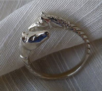 Light Silver Double Horse Head Ring