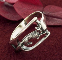Sterling silver fox in stirrup ring