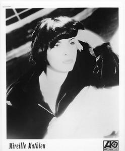 MIREILLE MATHIEU Vintage Atlantic Records 8x10 Press Photo French Chanteuse