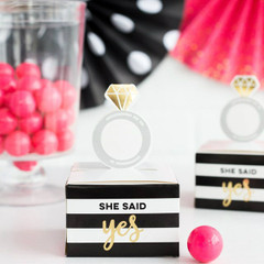 Fling before the ring, Favor Boxes