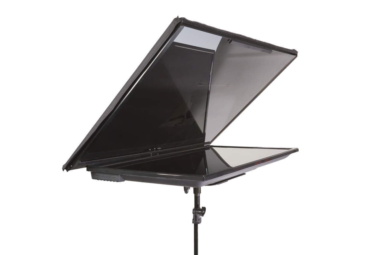 "QGear Pro 32"" Regular FreeStand Series - Solo"