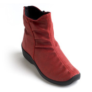 L19 Ruched boot in red