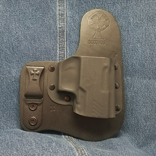 12885 CrossBreed Freedom Carry SIG P320 / Right Hand / Black Cow
