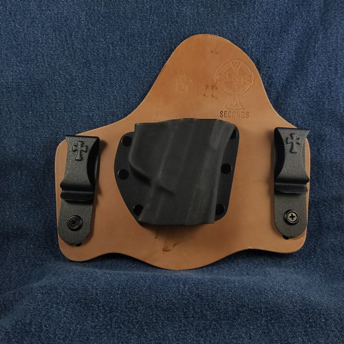11913 CrossBreed SuperTuck Horse Right Hand Ruger American