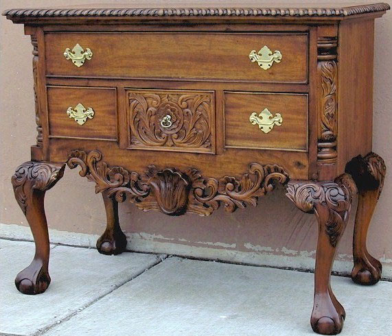 Attractive Chippendale Lowboy In Custom Hazelnut Finish