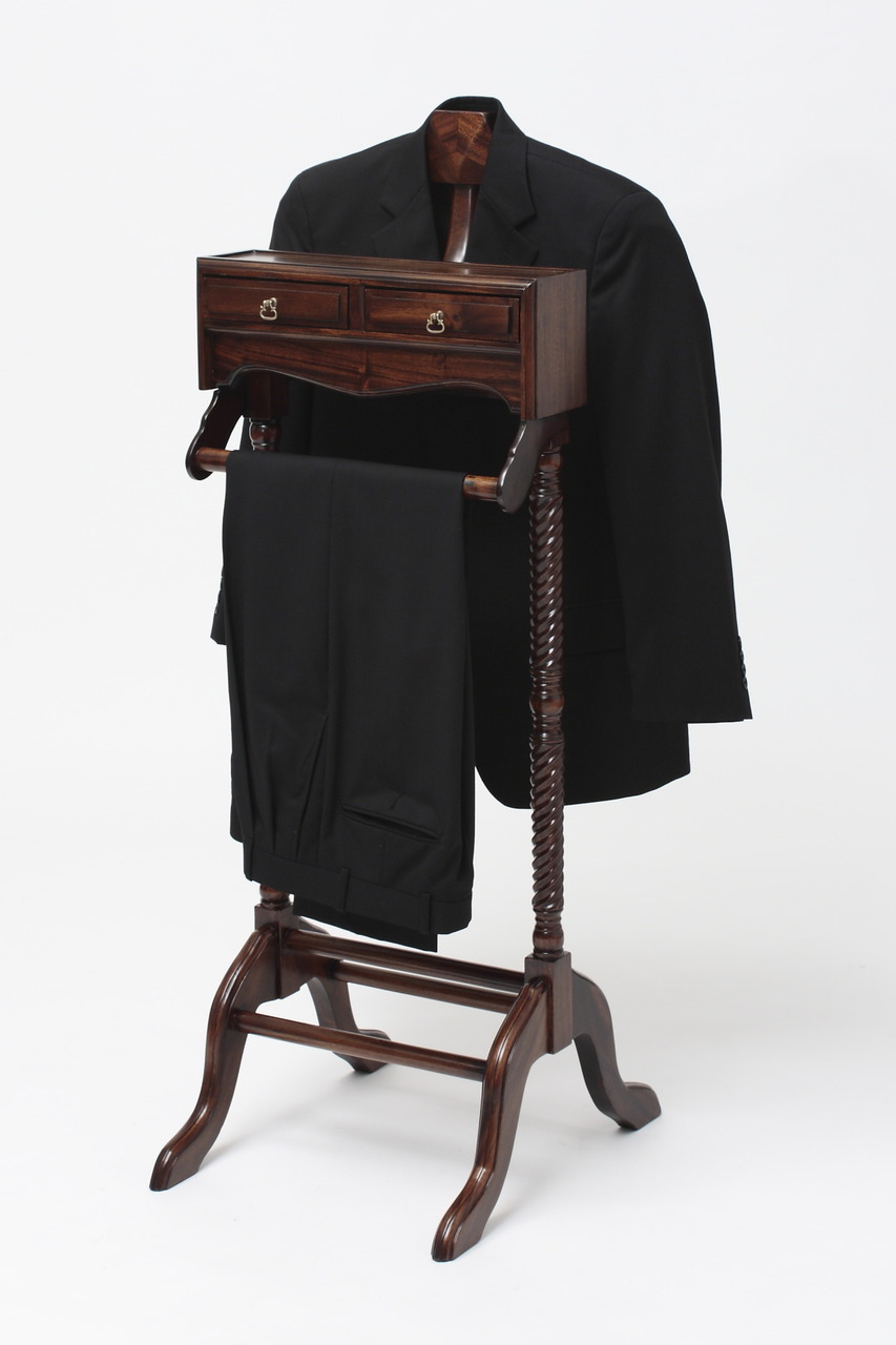 Superieur Menu0027s Valet Stand By Laurel Crown Showcasing Black Suit And Pants
