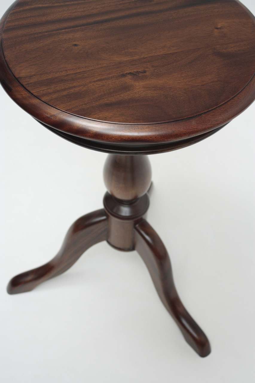 Small Wine Table Laurel Crown
