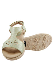 Sandbaggers Women's Pistachio Carrie Golf Sandals