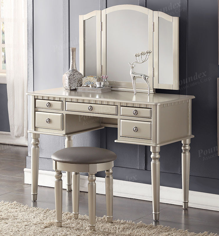 Genial Christine Silver Makeup Dressing Table Set | Chic Transitional Style Silver  Vanity Set ...
