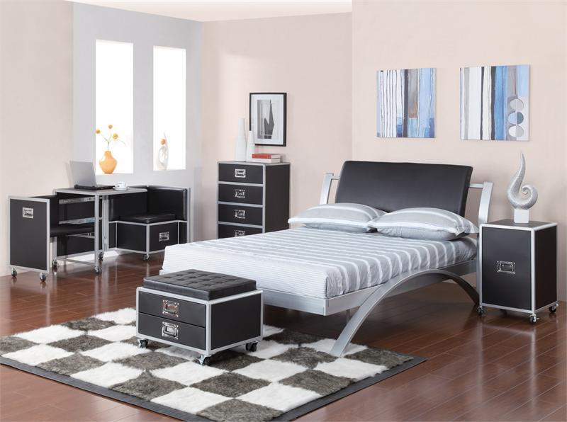 LeClair Silver and Black Full Metal Platform Bed