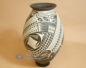 Mata Ortiz Hand Painted Pottery Vase by Octavio Quezada