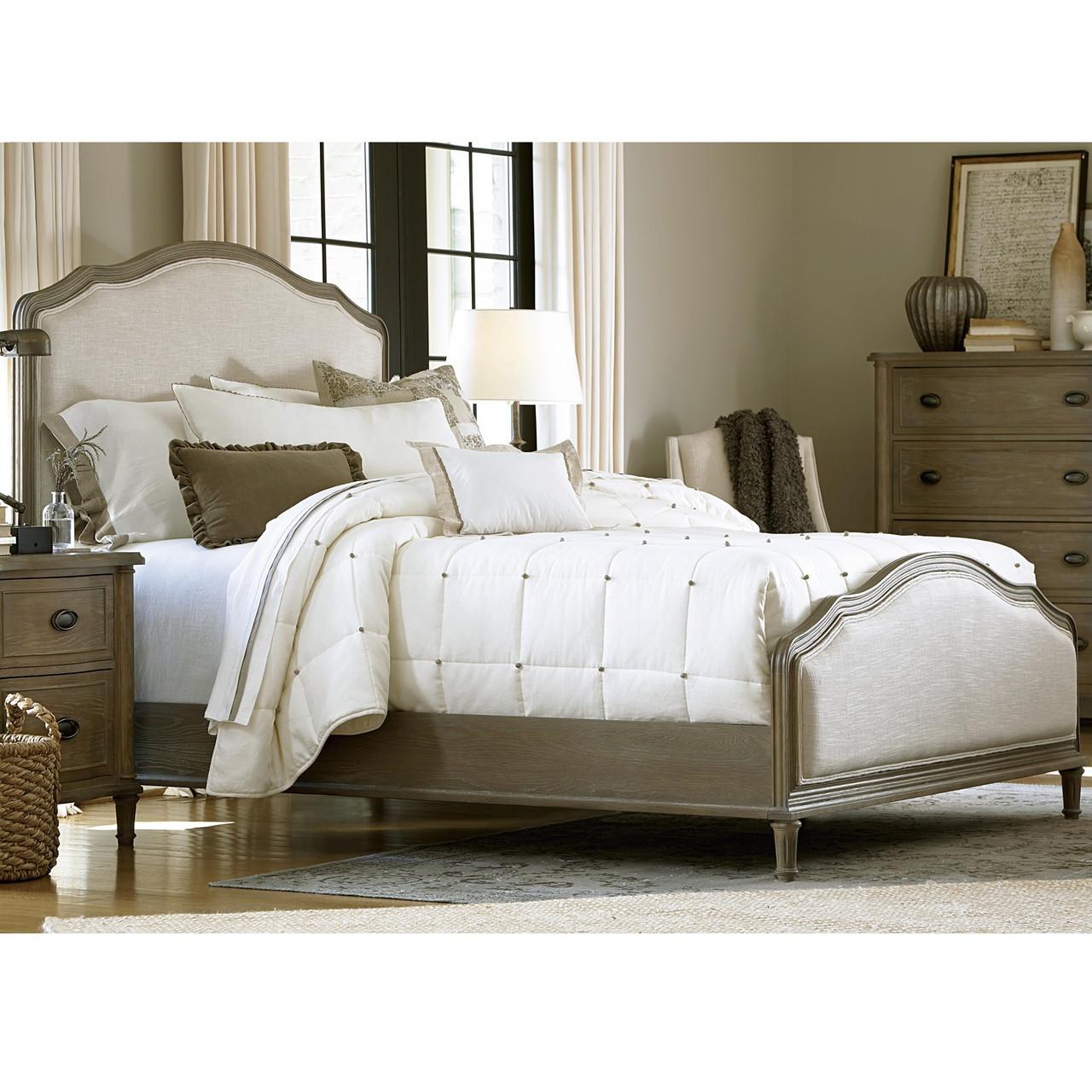 Good French Country Oak 6 Piece Queen Bedroom Set