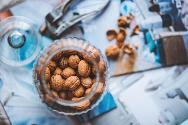 food-nature-autumn-nuts