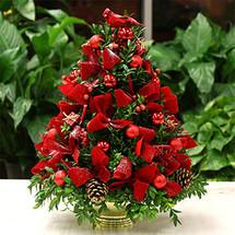 Christmas Cardinal Boxwood Tree