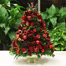 Season's Greetings Boxwood Tree