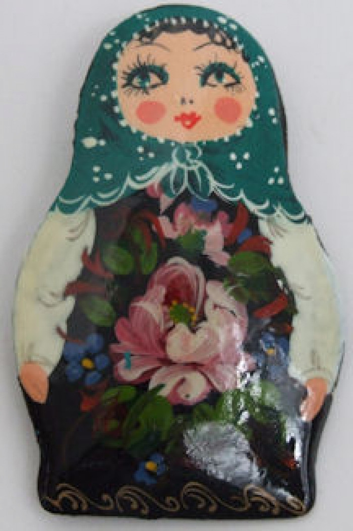 Handpainted lacquered Brooch of a Matroyshka 1