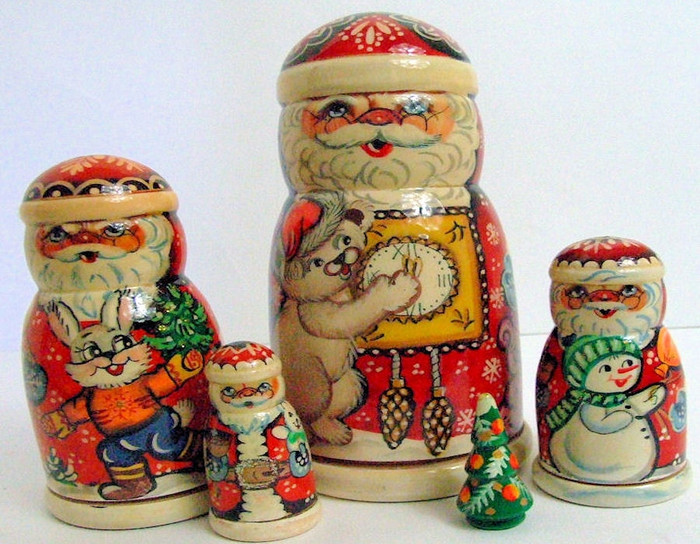 5pcs. Russian Nesting Doll of Santas and Christmas Themes