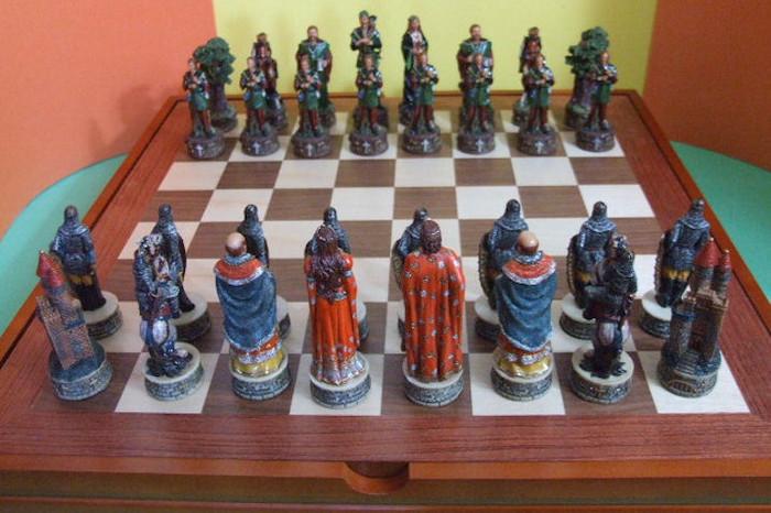 Russian Handmade Chess Set Robin Hood 32pcs Complete