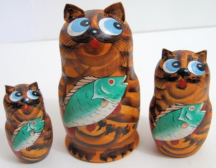 3pcs Hand Painted Russian Nesting Doll of CATS w/ FISH & Handcarved Ears