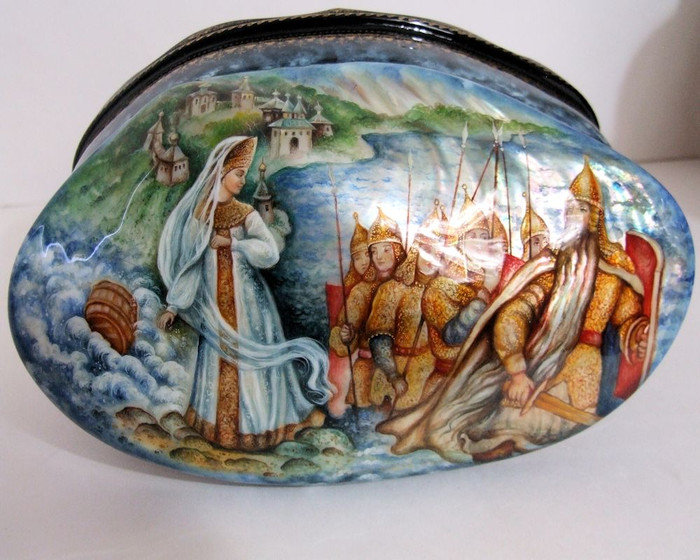 """Hand Painted Abalone Shell Russian Lacquer Box """"Tale of Tsar Sultan"""" by Seltsov"""