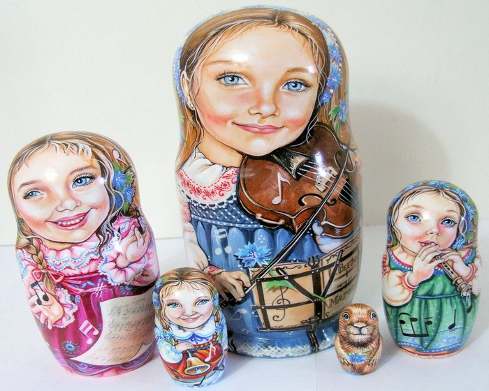 "5pcs One of a Kind Russian Nesting Doll "" Beethoven & The Groundhog"""