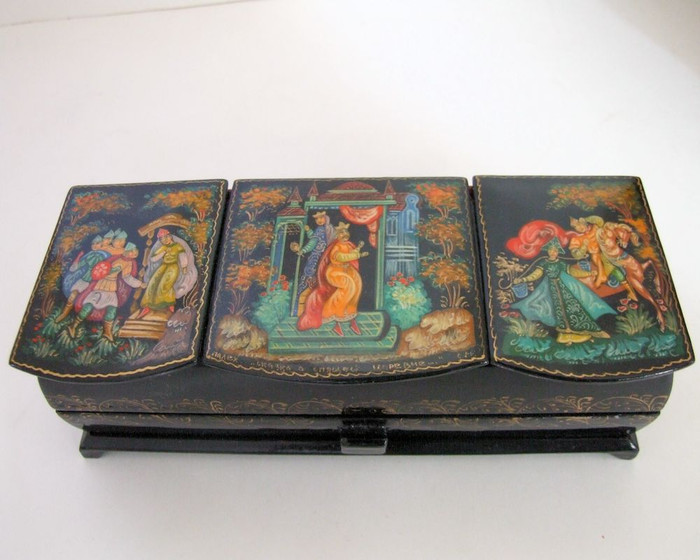 """Palekh Russian Lacquer Box Pushkin Fairytale """"Sleeping Princess and Seven Knights"""" by S.D."""