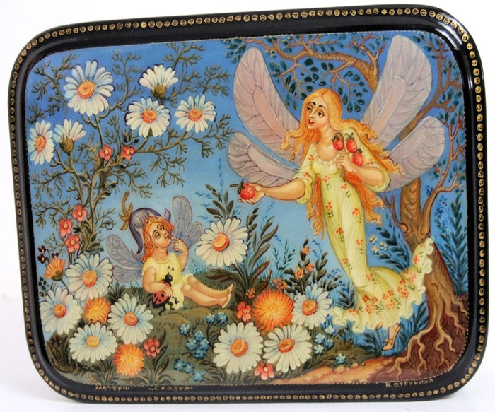 "Mystera Russian Lacquer Box ""FAIRES"" by Strunina"