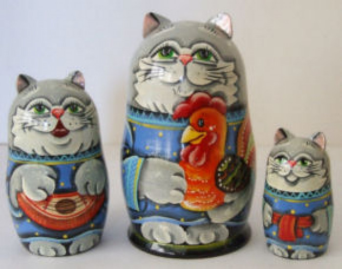 3pcs. Russian Nesting doll of cats w/ a rooster