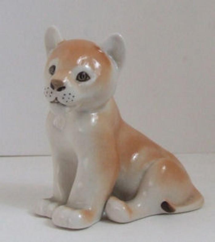 Lomonosov Porcelain Animal Figurine of a Lion Cub