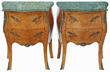 Antique pair of birds eye maple & marble bombe style bedside tables chests