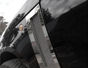 Range Rover Side Fender Mesh Grilles 2003-2005 (Black or Chrome)