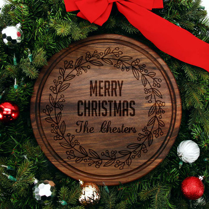 walnut-cutting-board-personalized-christmas-wreath-design