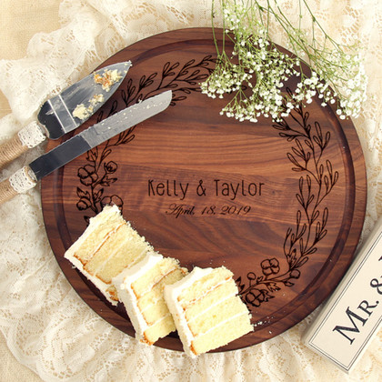wreath-walnut-wedding-gift-cutting-board