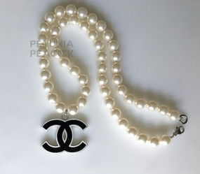 CHANEL PEARL & BLACK ENAMEL CC LOGO NECKLACE