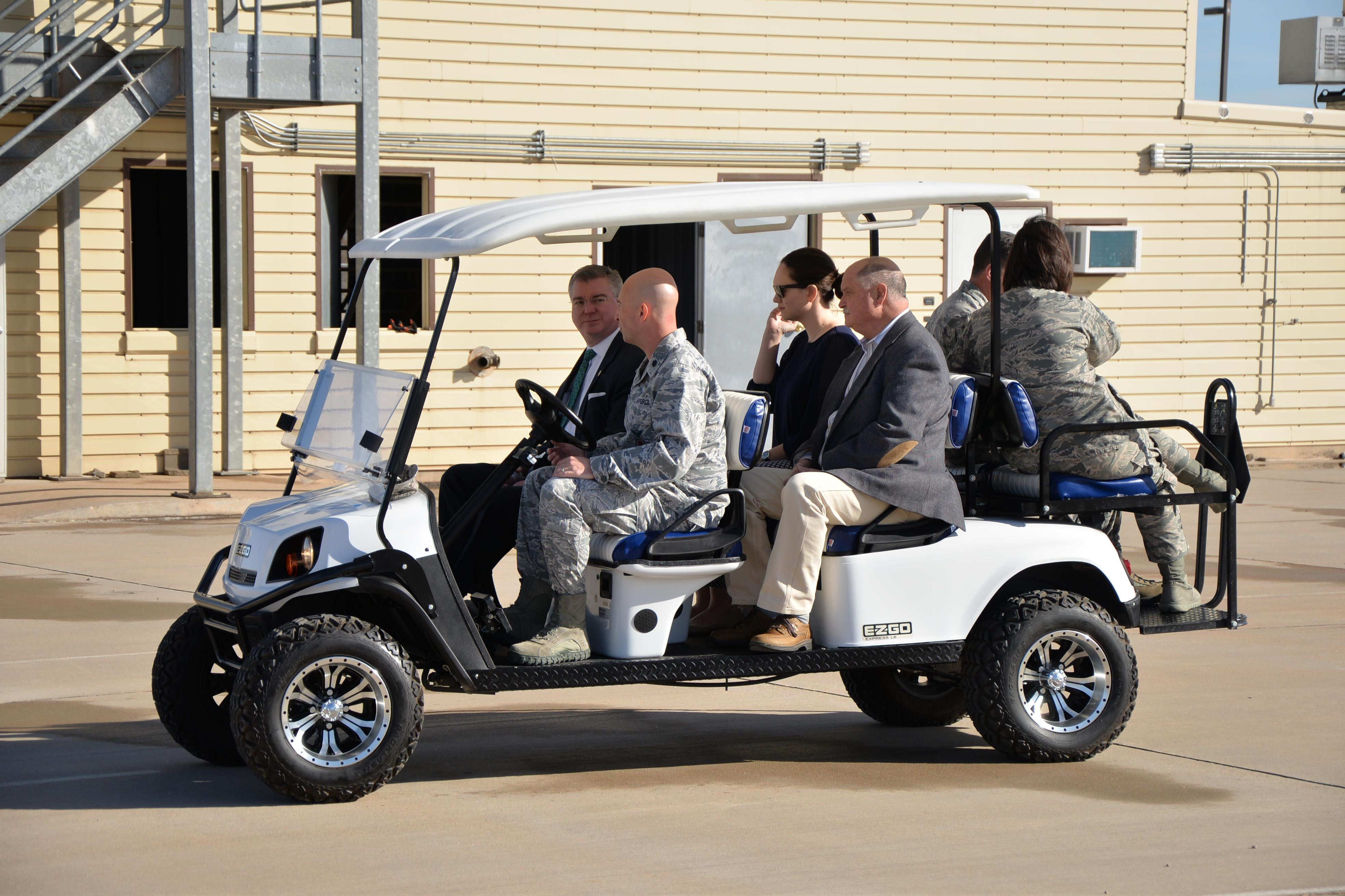 Golf-cart-with-rear-seats