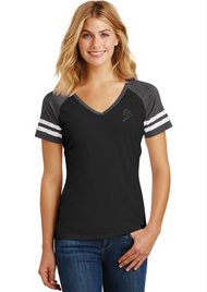 B GAME DAY - V-NECK - BLACK/HEATHER CHARCOAL SKU: 0128-0115