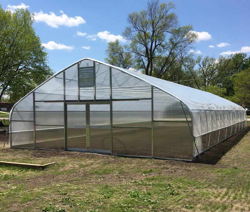 Dogpatch Urban Gardens Brings Tunnel Vision Hoops LLC to Des Moines to Build High Tunnel
