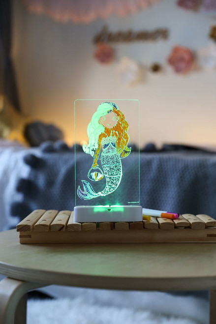 Aloka-ColourMe-LED-Mermaid-Luminous-distribution-with-Pens-lifestyle-10