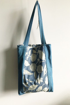 Milly S. Tote (blue flower)