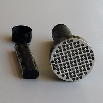 100-led-uv-torch-black-front-view-350.jpg