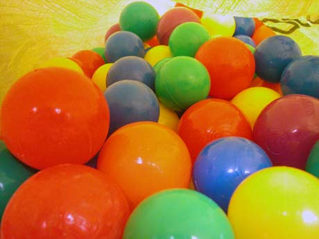 plastic-balls-for-craft.jpg