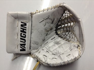 Vaughn V6 2000 Goalie Glove GUDLEVSKIS Syracuse Crunch Pro stock AHL (3)