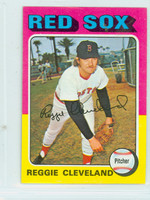 1975 Topps Mini Baseball 32 Reggie Cleveland Boston Red Sox Excellent